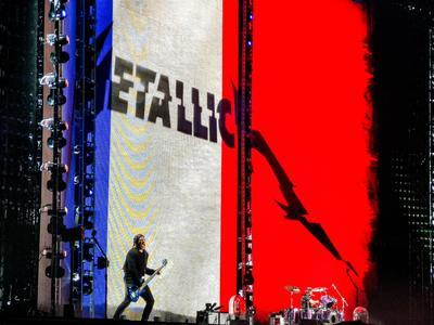 Metallica sur la scène du Stade de France.
