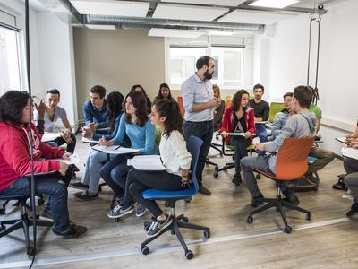 Une salle de travail collaboratif. ©WebSchoolFactory