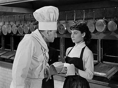 En 1954, le film Sabrina avec Audrey Hepburn a rendu l'école célèbre aux États-Unis.