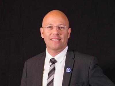 Pour Rodolphe Dalle, président l'Assemblée des directeurs d'IUT, un DUT en trois ans répondrait mieux à la demande des entreprises.