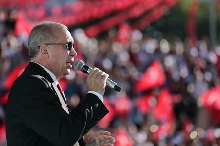 Erdogan menace «de continuer à envahir l'Europe de migrants si la Turquie ne reçoit pas plus de fonds».