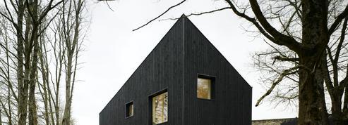 Deux maisons aux allures de cabane, laquelle préférez-vous ?