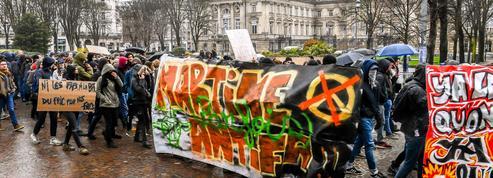 Lille : des centaines d'étudiants manifestent contre les violences dans les universités
