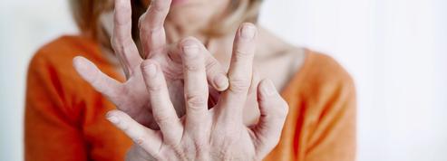 Pourquoi la ménopause nuit aux articulations