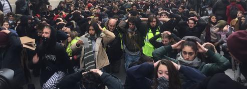 Pour le «mardi noir», quelques milliers de manifestants et 450 lycées perturbés