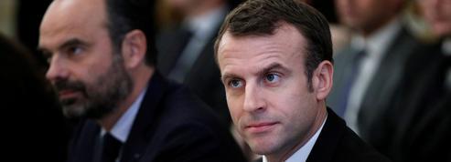 Sondage: à deux mois des européennes, les cotes de Macron et Philippe restent stables