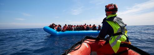 Migrants: les ONG complices des «passeurs», une accusation ancienne et récurrente