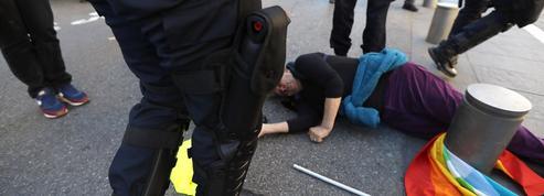 «J'ai pris un coup de matraque»: Geneviève Legay, militante blessée à Nice, témoigne