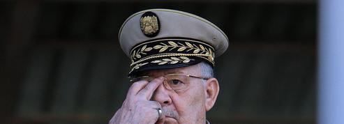 Après avoir lâché Bouteflika, l'armée voudrait faire taire les manifestants