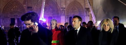 La nuit où Macron s'est rendu au chevet de Notre-Dame de Paris en feu