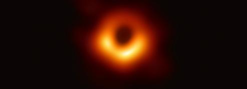 Qu'y a-t-il à l'intérieur d'un trou noir?