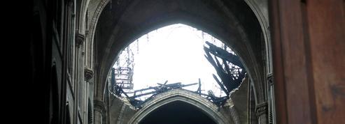 Notre-Dame de Paris: une structure en pierre calcaire, fragilisée par le feu et l'eau