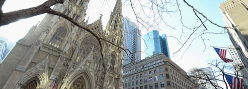 New York: un homme arrêté avec des bidons d'essence dans la cathédrale
