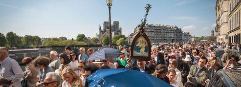 Notre-Dame: après le choc, l'élan de ferveur des catholiques