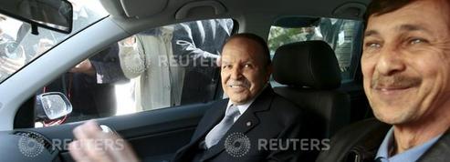 Algérie: arrestation du frère de Bouteflika et de deux ex-patrons des services secrets