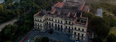 Ravagé par les flammes, le musée de Rio réclame des fonds «d'urgence» de l'État brésilien