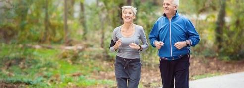 Pour réduire le risque de démence, miser sur le sport et l'arrêt du tabac