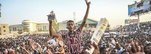 Soudan: l'armée suspend les discussions avec les manifestants
