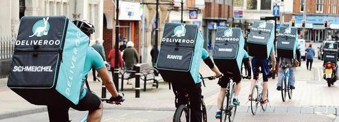 Amazon s'invite à dîner chez ses clients en prenant une bouchée de Deliveroo