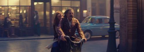 Avec sa comédie romantique La Belle Époque, Nicolas Bedos fait chavirer la Croisette