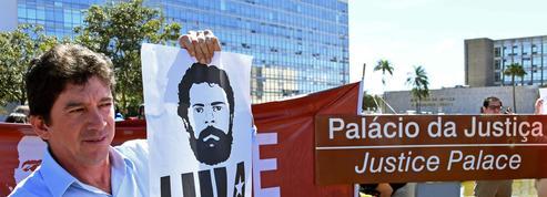 Brésil: un complot a-t-il entraîné la chute de Lula?