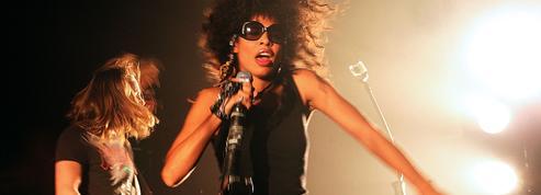 Victime d'une agression en pleine rue, la chanteuse de Shaka Ponk réplique avec force