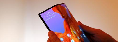 Après Samsung, Huawei repousse la sortie de son smartphone pliable