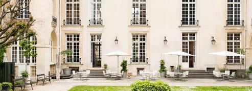 Un hôtel particulier du Marais sublimé par des architectes suédois