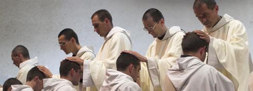 L'Église avance vers l'ordination d'hommes mariés
