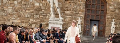 Printemps-été 2020: Ferragamo conforte la place de Florence