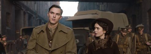 Tolkien : «académique» et «sage», un biopic qui n'emballe pas la critique
