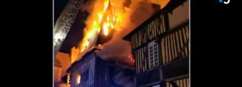 À Dinan, l'emblématique restaurant Chez la mère Pourcel ravagé par un incendie