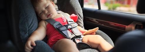 En voiture, la chaleur peut vite s'avérer dangereuse pour les enfants