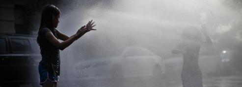 Les «geysers de rue» redoublent avec la canicule