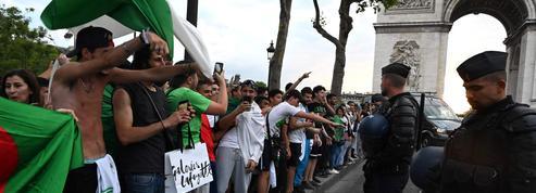 Le RN propose d'interdire l'accès aux Champs-Élysées aux supporters algériens