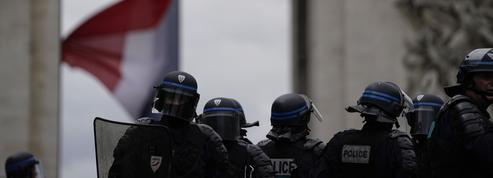 Violences à Paris: Le Pen blâme l'«incompétence chronique» de Castaner