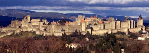 14 Juillet: départ d'incendie à la cité médiévale de Carcassonne durant le feu d'artifice