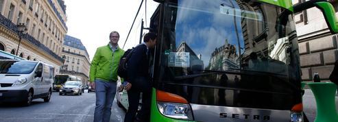 Les bus Macron ne désemplissent plus