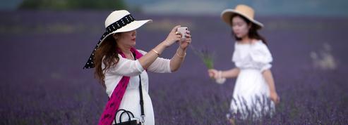 Faire dépenser davantage les touristes, un enjeu économique national