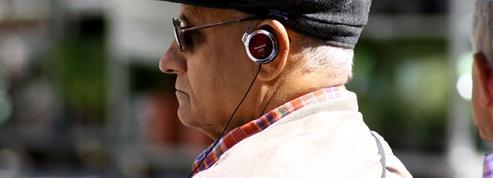 12 podcasts à dévorer pendant l'été