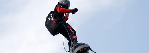 Franky Zapata retentera de traverser la Manche avec son «flyboard» ce dimanche
