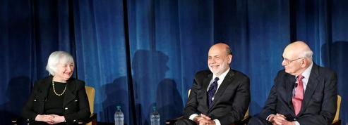 Les anciens patrons de la Fed demandent à Trump d'arrêter ses pressions