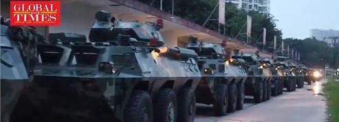 Hongkong: une vidéo montre des blindés chinois envoyés à la frontière