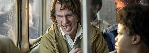 Joker :Joaquin Phoenix «habité et monstrueux» dans un film «audacieux et explosif»