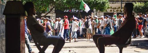 Présidentielle en Tunisie: un scrutin qui passionne la rue algérienne