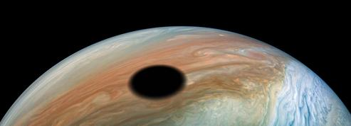 Comme un trou dans les nuages de Jupiter