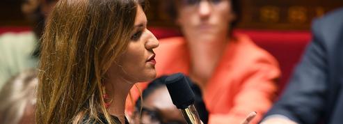 Violences conjugales: Marlène Schiappa veut que le 3919 fonctionne en continu