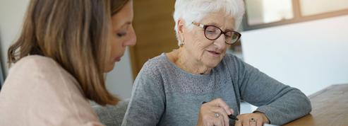 Emplois à domicile: la suppression de la «niche seniors» fait des vagues