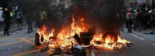 À Hongkong, des affrontements violents pour l'anniversaire de la République populaire