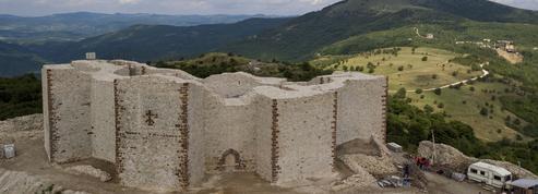 Au Kosovo, la citadelle de Novo Brdo oppose Serbes et Albanais